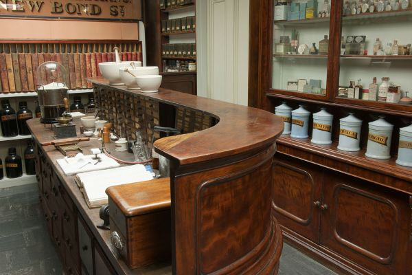 Savory and Moore Pharmacy, Medical History Museum